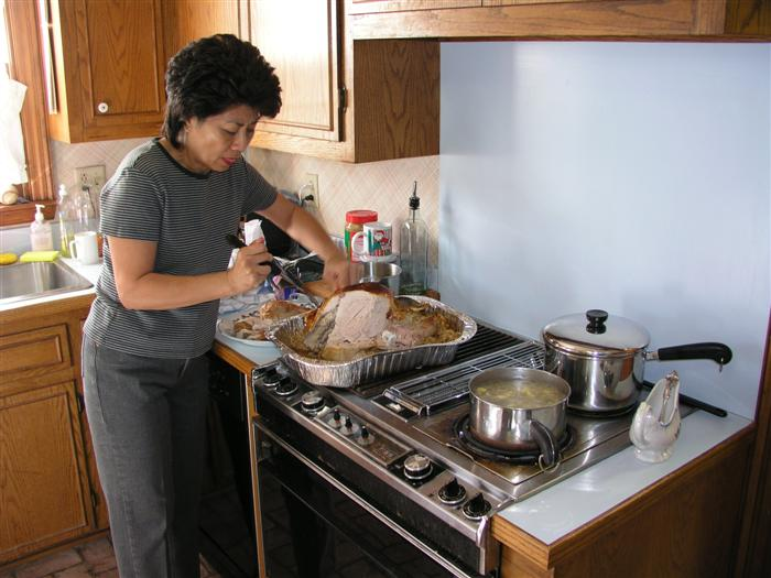Angie put the finishing touches on a great Turkey Dinner